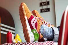 END. x SAUCONY SHADOW 5000 (BURGER) - Sneaker Freaker