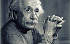 «Есть только два способа прожить жизнь. Первый — будто чудес не существует. Второй — будто кругом одни чудеса».