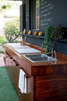Get our best ideas for outdoor kitchens, including charming outdoor kitchen decor, backyard decorating ideas, and pictures of outdoor kitchen. Inspired by these amazing and innovative outdoor kitchen design ideas. Outdoor Sinks, Outdoor Rooms, Outdoor Living, Outdoor Kitchens, Simple Outdoor Kitchen, Outdoor Kitchen Design, Outdoor Kitchen Sink, Sink Design, Grill Design