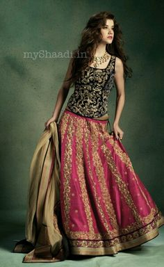 Browse through JADE by Monica & Karishma Indian wedding dresses and lehenga collection at MyShaadi. Find the perfect wedding dress by JADE by Monica & Karishma Indian Attire, Indian Ethnic Wear, Indian Style, Pakistani Outfits, Indian Outfits, Hindu Girl, Indian Bridal Wear, Desi Clothes, Lehenga Designs