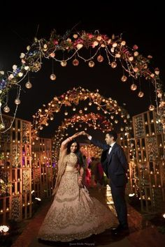 indian wedding A Dreamy Delhi Wedding With A Bride In A Bright Coral Lehenga Desi Wedding Decor, Wedding Stage Decorations, Wedding Mandap, Wedding Poses, Wedding Ideas, Wedding Receptions, Wedding Inspiration, Wedding Dresses, Traditional Indian Wedding