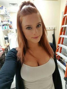 chivettes bored at work 31 photos 2 Chivettes bored at work (31 Photos)