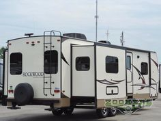 New 2018 Forest River RV Rockwood Ultra Lite 2703WS Travel Trailer at Zoomers RV | Wabash, IN | #152031