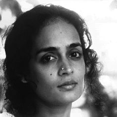 Arundhati Roy: To love. To be loved. To never forget your own insignificance. To never get used to the unspeakable violence and the vulgar disparity of life around you. To seek joy in the saddest places. To pursue beauty to its lair. To never simplify what is complicated or complicate what is simple. To respect strength never power. Above all to watch. To try and understand. To never look away. And never never to forget. #ArundhatiRoy #myadvice #HumanNote