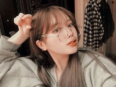 Edits for BTS. Bts girls version and much more. Jikook, Bts Taehyung, Bts Jimin, Bts Pictures, Girl Pictures, Bts Gifs, Korean Beauty Girls, Bts Beautiful, Blackpink And Bts