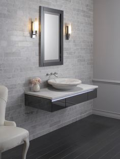 universal design features in the bathroom