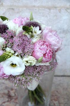 Bouquet em tons de Cor-de-Rosa e Branco | Bouquet in Shades of Pink and White  by Amor&Lima