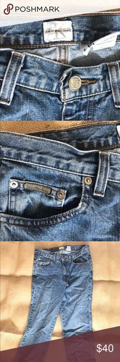 Calvin Klein Relaxed High Rise Jeans Cute Calvin jeans that can be rolled up from the bottom • don't buy if you're exactly this size if you like the more baggier • looser from the bottom • somewhat high rised Calvin Klein Pants
