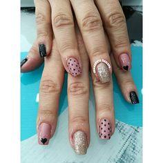 #clientafeliz @bjcastilloga #tonosnude #slendy #arenaglitter #nailart #enjoynailart #nailspa #manicureconvencional