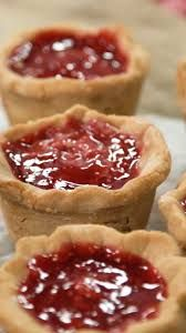 If you prefer your PB&J's extra creamy, try these incredible peanut butter and jelly filled cream pies.