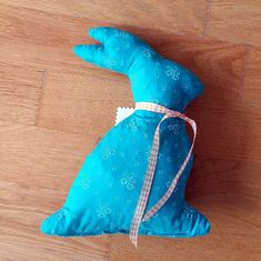 "Zirbenhase - türkis mit floralem Muster ""Dirndlstoff"" Cinderella, Dinosaur Stuffed Animal, Disney Characters, Fictional Characters, Disney Princess, Animals, Pillow Design, Hare, Pictures"