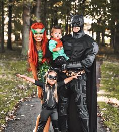 Superhero Couples Costumes, Matching Family Halloween Costumes, Marvel Halloween Costumes, Dc Costumes, Superhero Halloween Costumes, Mickey Halloween Party, Best Couples Costumes, Family Super Hero Costumes, Halloween Inspo