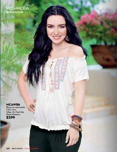 Ariadne Diaz luce toda su sensualidad con esta blusa hermosa. Look de PV 2015 Ariadne Diaz, Pose Reference, I Am Awesome, Cool Style, Girl Fashion, Poses, Outfits, Mexican, Clothes