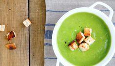 Leichte und vegane Brokkoli-Kokos-Suppe
