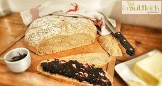 Immer wieder herrlich --> Dieser Duft nach frischgebackenem Brot :) Hab gerade erst mein heute gebackenes Bierbrot aus dem Ofen und es schmeckt sowas von lecker! Überzeuge dich doch einfach selbst und backe es nach --> Rezept findest du auf meinem Blog!  Liebe Grüße, eure Christina 🌿 Bread, Blog, Souffle Dish, Simple, New Recipes, Oven, Brot, Blogging