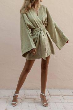 Mode Outfits, Fashion Outfits, Style Fashion, Rock Fashion, India Fashion, Japan Fashion, Fashion Boots, Look Kimono, Short Kimono Dress