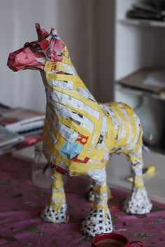40 Awesome Paper Mache Creatures Like Never Seen Before Paper Mache Projects, Paper Mache Clay, Paper Mache Sculpture, Paper Mache Crafts, Sculpture Art, Art Projects, Foam Crafts, Diy Crafts, Paper Mache Animals