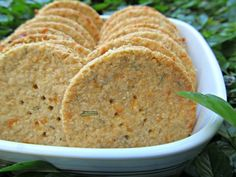 #glutenfree Rosemary Cheddar Crisp #dogtreat #recipe via @DoggyDessert on the Healthy Dog Blog! // BestBullySticks.com/blog