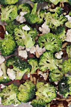 Broccoli salad with cranberries Vegan Recipes For One, Vegan Recipes Plant Based, Vegan Recipes Beginner, Vegan Recipes Videos, Veg Recipes, Easy Healthy Recipes, Whole Food Recipes, Vegetarian Recipes, Helathy Food