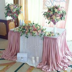 Table cloth set up