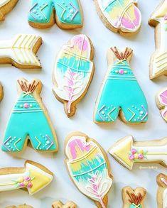 Pastel and boho goodness @merci.bakery #cookiecutterkingdom