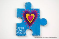 Hand painted Jigsaw Piece with Polymer Clay Hearts - Magnets |  Calamite Puzzle Amor Vincit Omnia - Giugno 2015 - Le INsolite Cose