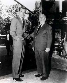 One of my favorite movies. Cary Grant and Alfred Hitchcock on the set of North by Northwest Golden Age Of Hollywood, Vintage Hollywood, Hollywood Stars, Classic Hollywood, Hollywood Boulevard, Cary Grant, Hitchcock Film, Alfred Hitchcock, Entertainment Weekly