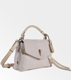 118 best purses and fashion i love images on Pinterest   Beige tote ... 4984232e670