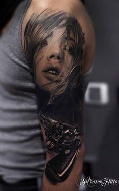 Arm Frauen Waffen Realistische Tattoo von Silvano Fiato