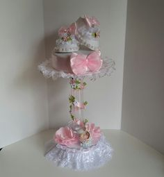 Baby shower centerpiece for girls by Sliceofdreams on Etsy Pink Centerpieces, Baby Shower Centerpieces, Baby Shower Decorations, Baby Shower Themes, Baby Shower Gifts, Baby Gifts, Shower Bebe, Diy Shower, Baby Shower Princess