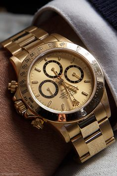 watchanish:  Rolex Daytona. Offered at the Christie's auction on November 10.More of our footage at WatchAnish.com.