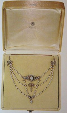 Marie Poutine's Jewels & Royals: Fabergé Pendants and Necklaces Pearl And Diamond Necklace, Pearl Jewelry, Fine Jewelry, Women Jewelry, Jewlery, Diamond Pendant, Edwardian Jewelry, Antique Jewelry, Vintage Jewelry