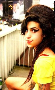 - Amy Winehouse - #music #singer #Vocalist #pop #soul #rnb #retropop #Rip #27club #musician #AmyWinehouse http://www.pinterest.com/TheHitman14/amy-winehouse-%2B/