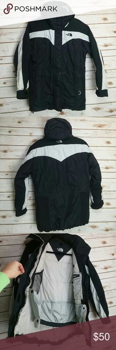The North Face coat womens Pre owned in good condition. Size tag was removed but it fits like M womens very good quality warm coat perfect for snow as well since it has that thing inside so the snow does not get into ur back The North Face Jackets & Coats