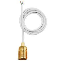 Framan E27-lampunjohdosta on karsittu pois kaikki turha. Tyylikäs teollisuushenkinen johto on saatavina mustalla tai valkoisella johdolla ja messinki-, kupari-, teräs- tai kromikannalla.