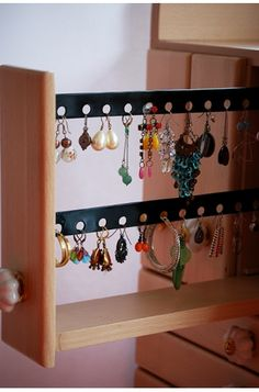 Lotusbloem: the cupboard which stores all your earrings.