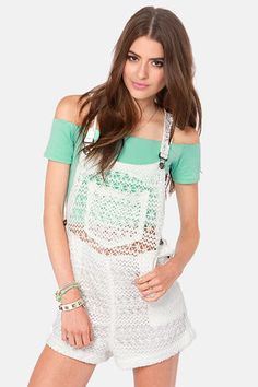 Trendy Juniors Clothing - Online Shoes & Clothes for Teens - Page 10 Bringing overalls back! Source by anikasanderscro Clothes Summer Fashion Outfits, Summer Outfits Women, Cute Fashion, Outfits For Teens, Teen Fashion, Trendy Outfits, Girl Outfits, Cute Outfits, Fashion Trends