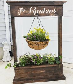 Personalized flowerbox - Easy Crafts for All Diy Wood Projects, Outdoor Projects, Woodworking Projects, Diy Plant Stand, Flower Boxes, Porch Decorating, Yard Art, Diy Furniture, Diy Home Decor