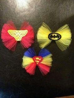Superhero Tutu Bows *we now have spiderman!* by Fafatutu on Etsy… Diy Hair Bows, Diy Bow, Ribbon Hair, Barrettes, Hairbows, Bow Tutorial, Flower Tutorial, Headband Tutorial, Diy Hair Accessories