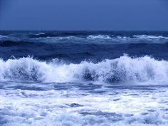 Waves by Suresh Kesavan on 500px