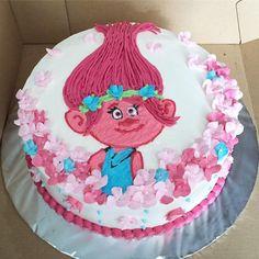 Troll birthday cake #troll #joycecake #flowercake #kueulangtahun #birthdaycake