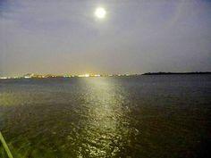 luna sobre el rio Guayas - Guayaquil Perla del Pacífico - Viajeros.com