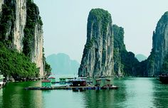 Ha Long Bay, Vietnam, such a nice place to visit <3