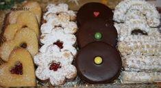 Z jedného pečenia viac druhov čajového pečiva. Použila som linecké cesto s receptúrou základných surovín v pomere 3:2:1 (múka, tuk, cukor) Czech Recipes, Russian Recipes, Christmas Baking, Christmas Cookies, Biscotti, Sweet Recipes, Sweet Tooth, Bakery, Sweets