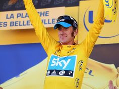 Bradley Wiggins in Yellow. Stage 7 Le Tour.