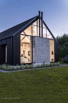 Ohoka House par O 'Neil Architecture Barn House Design, Modern Barn House, Modern House Design, Scandinavian Architecture, Modern Architecture, Industrial Architecture, Contemporary Barn, Modern Farmhouse Exterior, Shed Homes