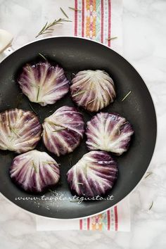 Involtini di Radicchio No Salt Recipes, Diet Recipes, Chicken Recipes, Vegan Recipes, Strudel, Confort Food, Happy Foods, Polenta, Mediterranean Recipes