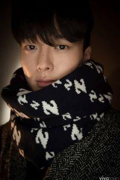 Image may contain: 1 person Korean Face, Korean Men, Asian Actors, Korean Actors, Park Hae Jin, Korean Fashion Men, Men Fashion, Asian Hotties, Actor Photo