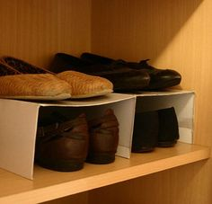 The idea of organizing shoes - Schuhe aufbewahren - Shoes Lauren Turner, Bath Bomb Gift Sets, Shoe Organizer, House Layouts, Shoe Rack, Must Haves, Mazda, Nike, Storage