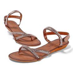 Sandales à strass : objets de toutes les convoitises.  #shoes #sandales #chaussures #modefemme #blancheporte